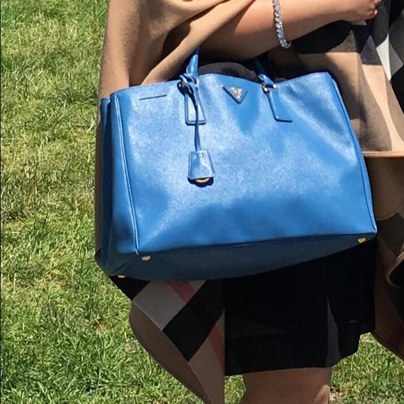 2d9b07227d Prada saffiano lux shopping open tote Cobalt blue.  M 5afbb8198af1c50c2d64047b